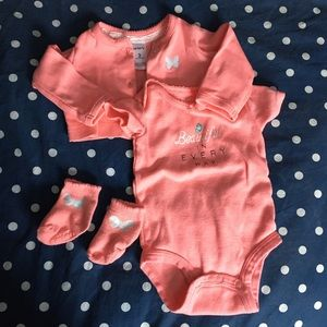Matching 3 Piece Set of Carter's Baby Clothes